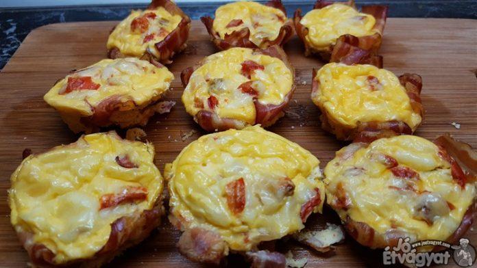 Baconos-tojásos muffin