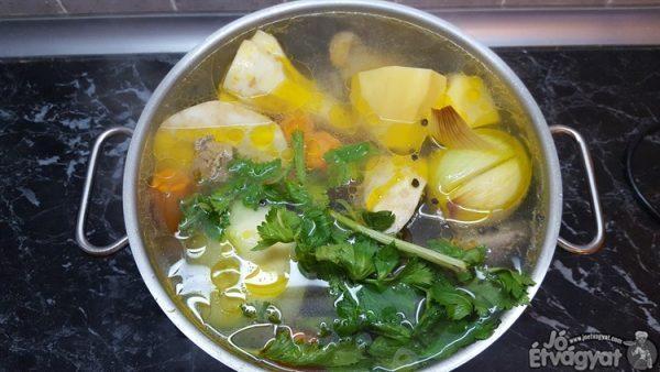 Házi gyöngyös leves