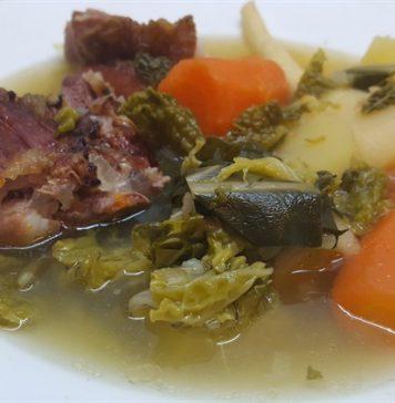 Kelkáposzta leves füstölt oldalassal