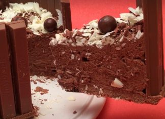 Kit-Kat csokoládé torta