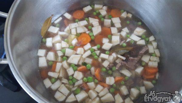 Tárkonyos leves készítése