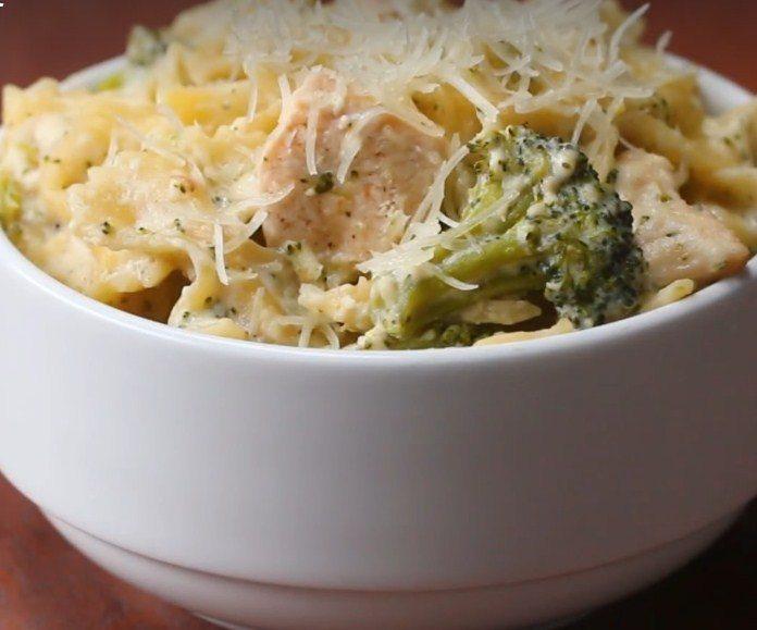 Csirkés brokkolis tészta