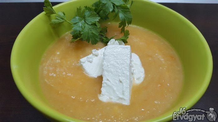 Joghurtos-fetás zöldségleves
